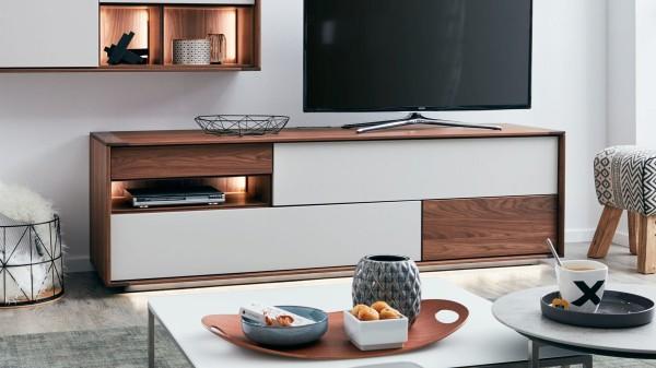 Interliving Esszimmer Serie 5602 - Lowboard mit Beleuchtung