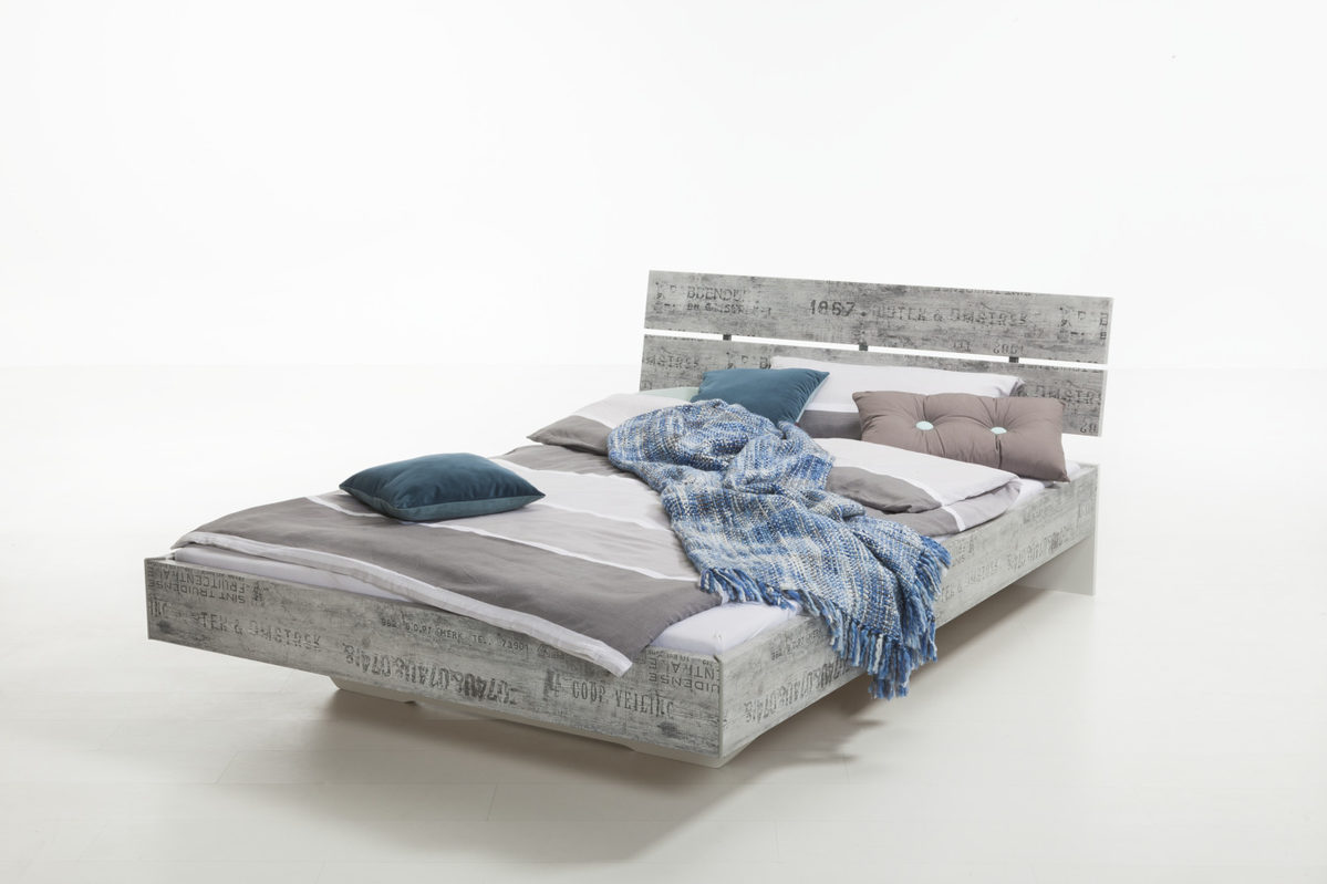 rauch select bettgestell im vintage look als jugendbett. Black Bedroom Furniture Sets. Home Design Ideas