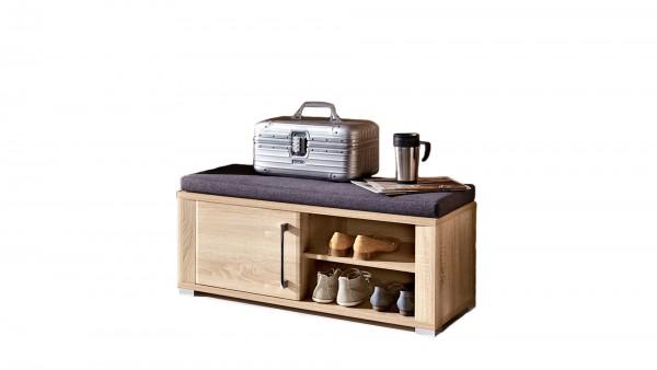 Garderobenbank mit Sitzkissen als Dielenmöbel