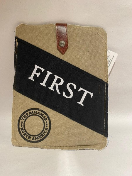 "Tabletttasche ""First"""